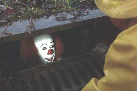 clown-sewer-untouchable.jpg