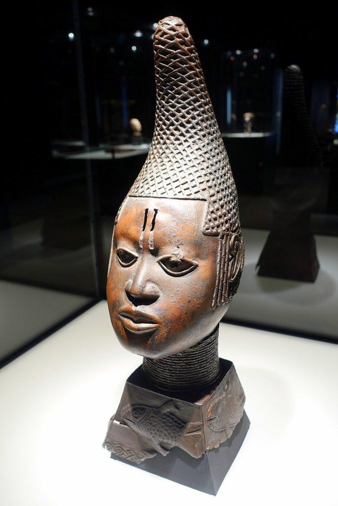 1024px-Memorial_bust_of_a_kings_mother_iyoba_Nigeria_Benin_Kingdom_early_16th_century_AD_gunmetal_bronze_-_Ethnological_Museum_Berlin_-_DSC02225-683x1024